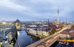 Berlin-Beyond-the-Wall_article_full